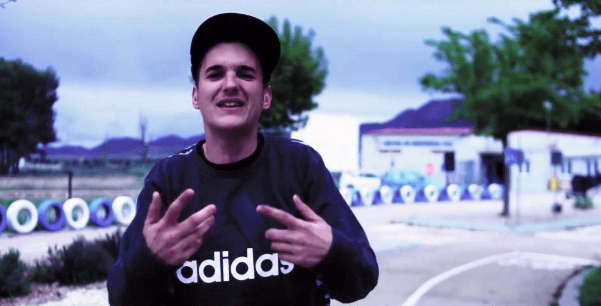 Un policía local logra patrocinadores para financiar el videoclip de un rapero para una campaña de tráfico