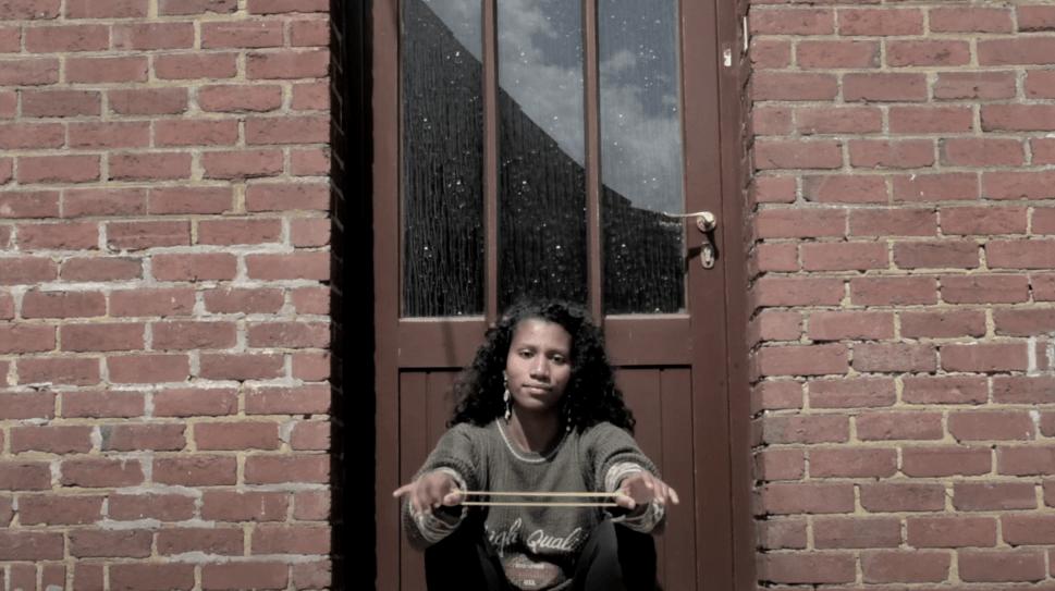 Knela – «A salvo»