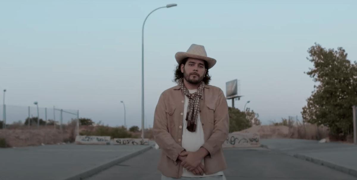 Ezija – «No soy de aquí ni soy de allá»